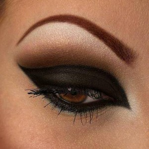 Black smoky eye step by step.